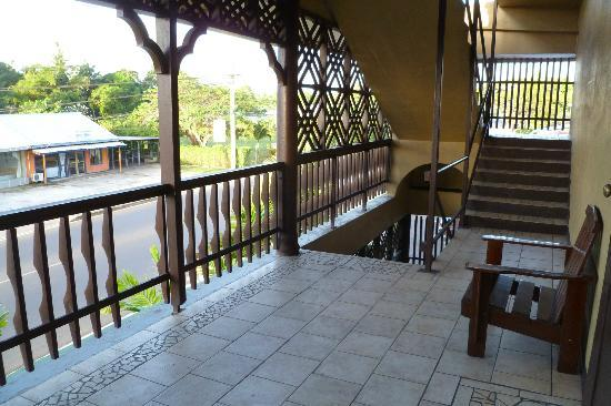Pasefika Inn: Front balcony