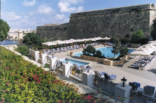Hotel Phoenicia: Bastion Pool deck
