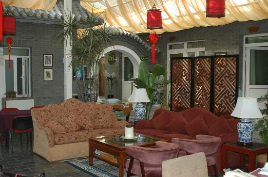 Michael's House: Center of the former 四合院, courtyard, serves as Lounge and breakfast area