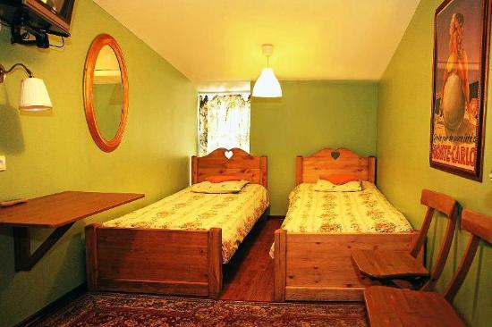Friends Hostel on Bankovsky: Private room with twin beds