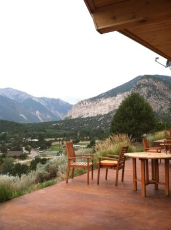 Mount Princeton Hot Springs Resort: cliffside room
