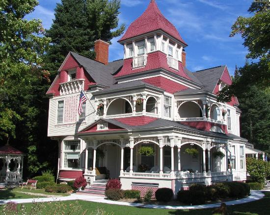 The Grand Victorian B&B: Unique popular northern Michigan building