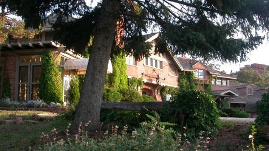 Red Crags Bed and Breakfast Inn