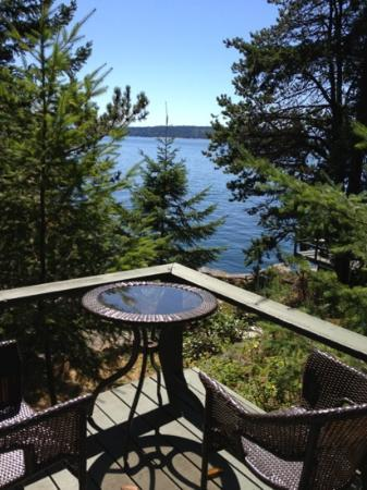 Rockwater Secret Cove Resort: breathtaking view, dirty conditions