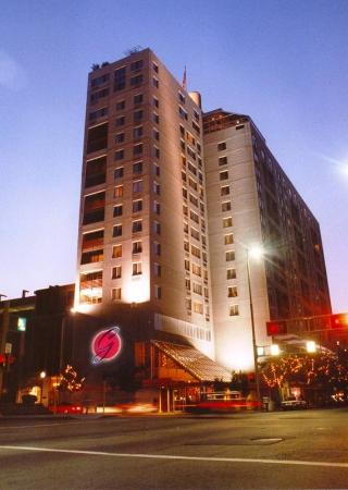 Garfield Suites Hotel: Exterior Hotel