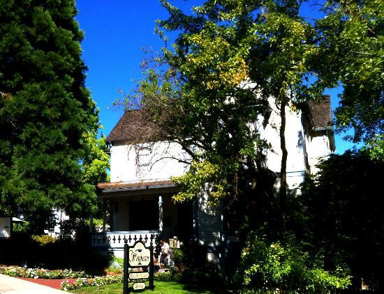 The Winchester Inn: Three buildings in a lovely garden setting