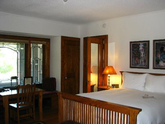 Stewart Inn Bed and Breakfast: veranda suite