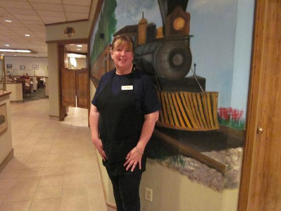 Clarion Inn & Conference Center: Our waitress, she was fabulous.