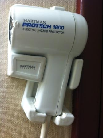 Days Inn Tacoma Mall: hair dryer