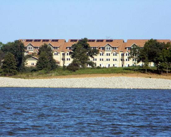 Honey Creek Resort State Park: View of lodge from the lake