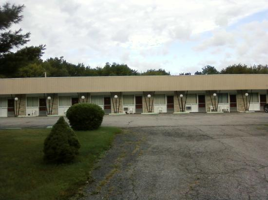 The Irish Cove Motel