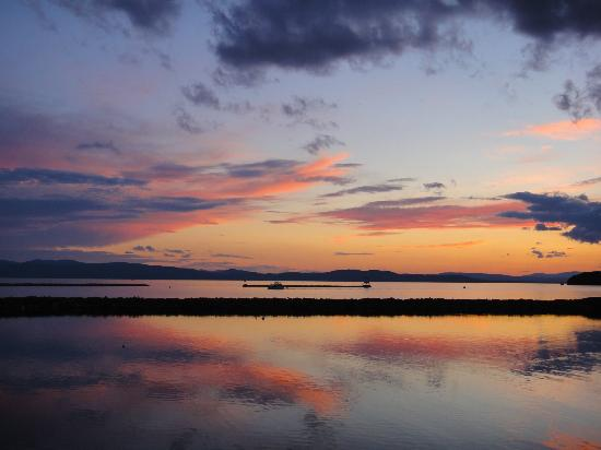Sheraton Burlington Hotel and Conference Center: Beautiful Sunset on Lake Champlain