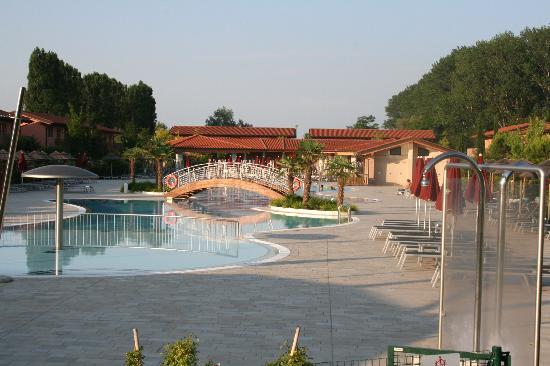 La piscina picture of green village resort lignano - Hotel lignano sabbiadoro con piscina ...