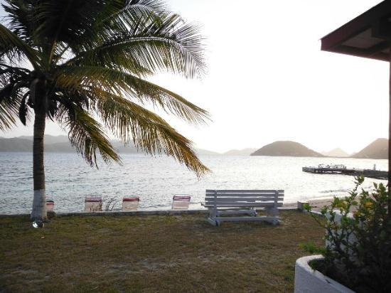 Fort Recovery Beachfront Villa & Suites Hotel: serene sunsets
