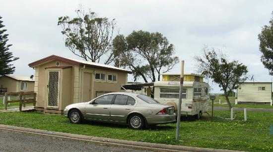 Victor Harbor Beachfront Holiday Park: ensuite caravan site