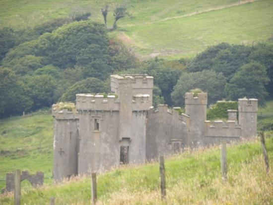 Clifden Station House: clifden castle breaks the day