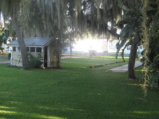 Lakeside Cottages: This is the fish shed. It has everything you need for the fish u catch.