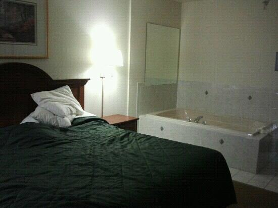 King Room With Spa Tub Picture Of Comfort Inn Amp Suites