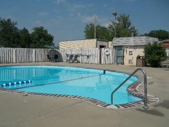 Rodeway Inn: Outdoor Pool