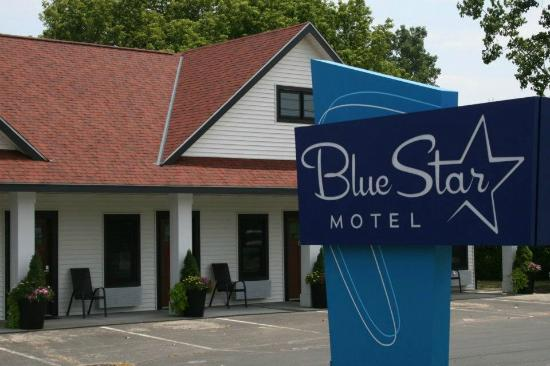 ‪Blue Star Motel‬
