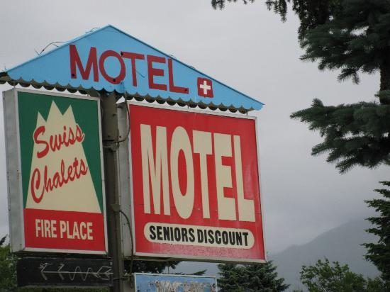 ‪The Swiss Chalets Motel‬