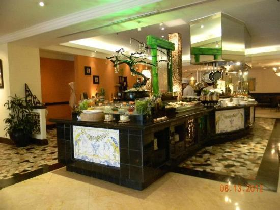 The Heritage Hotel Manila: great buffet