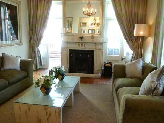 The Cape Cadogan: Lounge area
