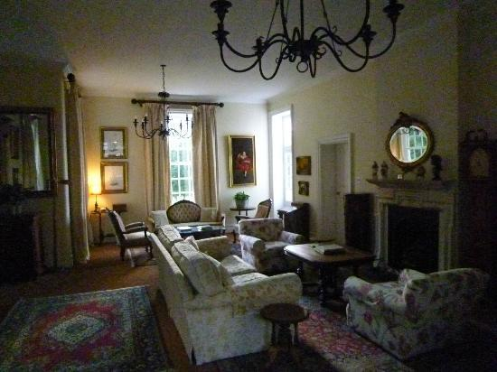 Highlands Country House: Living room