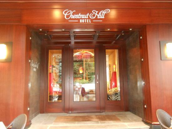 Chestnut Hill Hotel: Outside view
