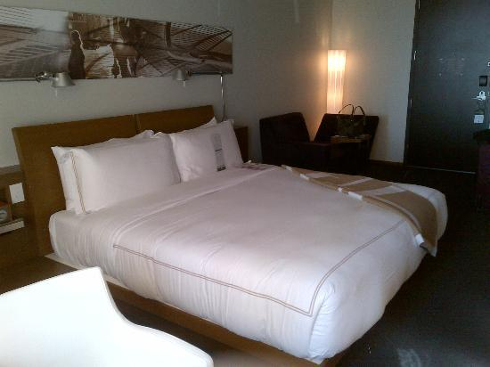 Hotel Le Germain Calgary: Comfy Bed