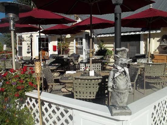 The Nordic Inn: outdoor patio