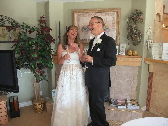 A Vista Villa B & B: Much happiness after a completely catered wedding