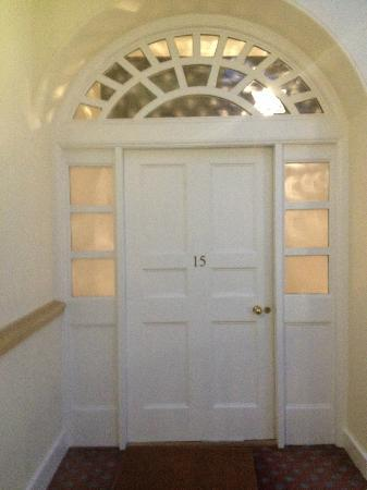 Edinburgh Serviced and Self Catering Apartments: This is the front door.