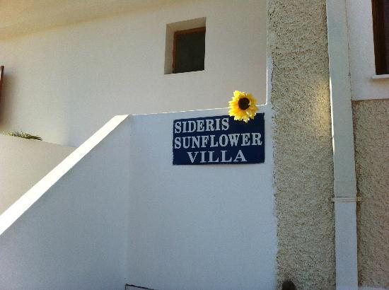 Sideris Sunflower Villa: Welcome sign