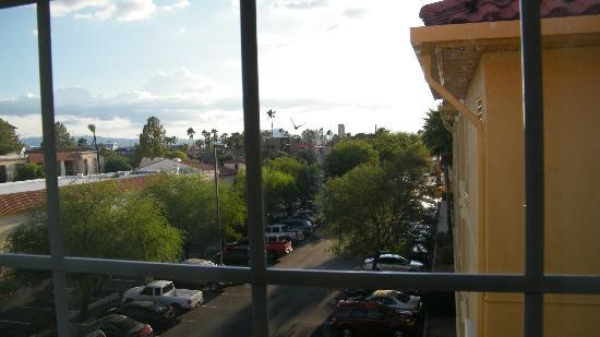 La Quinta Inn & Suites Tucson Airport: view from room