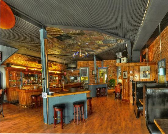 New Haven, : Front Bar &amp; Grill area