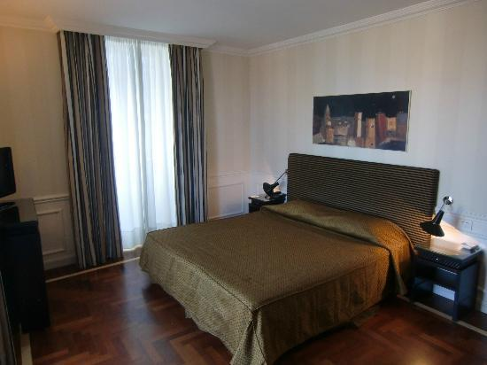 http://media-cdn.tripadvisor.com/media/photo-s/02/c4/c5/8c/il-principe-hotel.jpg
