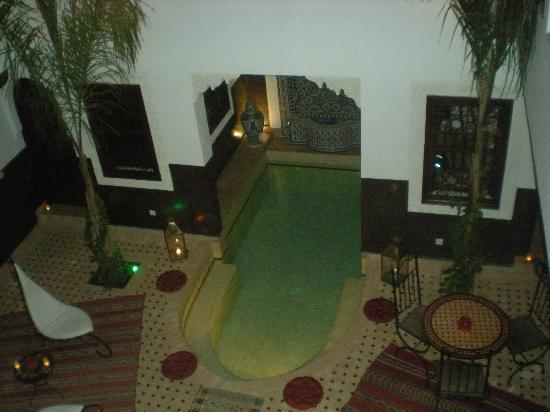 Riad Charme d'Orient: La Piscine by Night