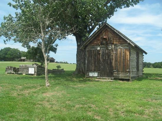 Wooden fort review of old fort parker groesbeck tx for Old wooden forts
