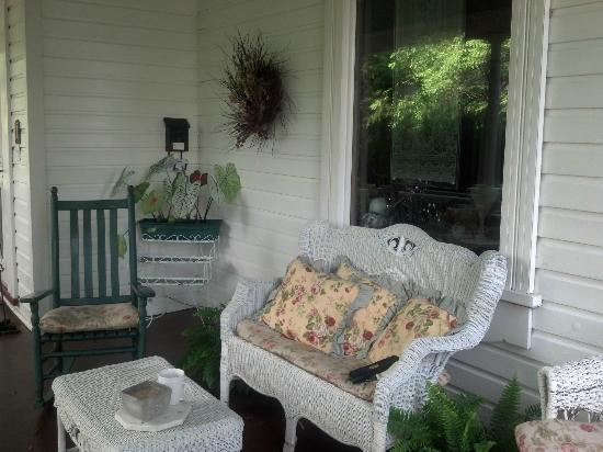 Highlawn Inn Porch
