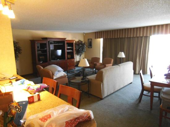 Living Room Picture Of Red Lion Hotel Columbia Center Kennewick Tripadvisor