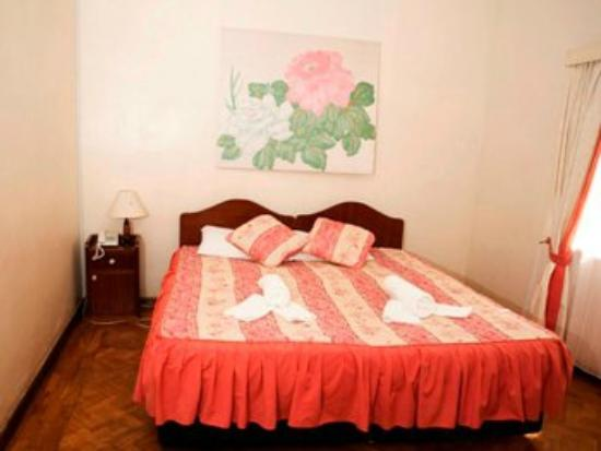 Hibiscus Guest House: room