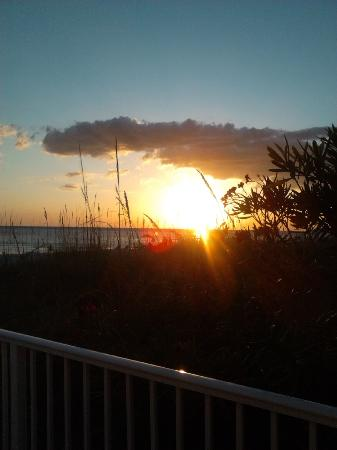 White Sands Beach Resort: Sunset from front patio & view from unit 1