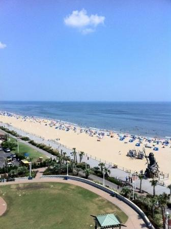 Hilton Virginia Beach Oceanfront: 9th Floor View