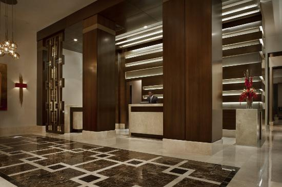 Hotel Adagio: Lobby Reception