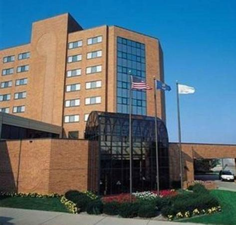 Photo of Oshkosh Premier Waterfront Hotel & Convention Center
