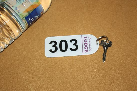 Lavender Lodge: Hotel key