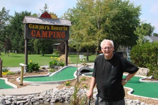 Campark Resorts: Mini golf course