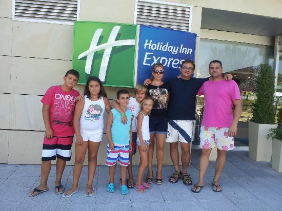 Holiday Inn Express Madrid-Rivas : Con la familia a la Warner