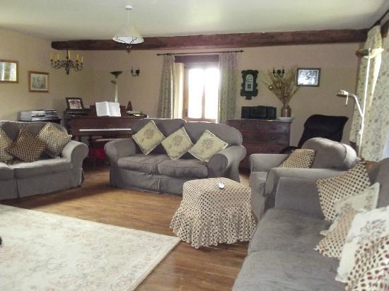 Llanhennock, UK: guest lounge